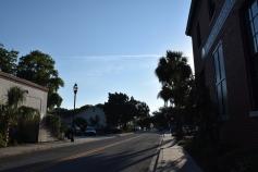 ท้องฟ้าปลอดโปร่งมาก ถนนสายนี้คือสวยมากด้วย