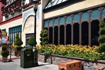 ชอบหน้าร้านนี้ ดอกไม้สวย