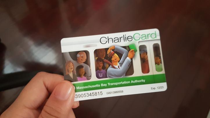 หน้าตาบัตร Charlie นี่เราซื้อตั้งแต่ปี 2014 บัตรหมดอายุ 2023 จ้า ยาวนานจริงๆ 555